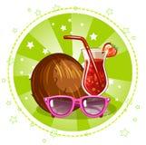 Cocktail, vetri e noce di cocco esotici Simboli di estate Fotografia Stock Libera da Diritti