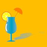 Cocktailgetränk mit Orange lizenzfreie stockfotografie
