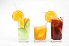 cocktails alcooliques photographiant le studio Photos stock