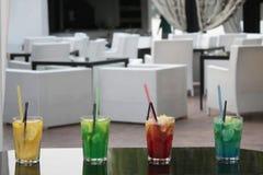 Cocktails au restaurant Image stock