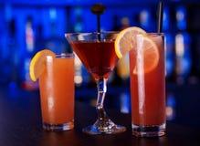 Cocktails bij de bar Royalty-vrije Stock Foto's