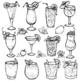 Cocktails de croquis, boissons d'alcool réglées Photos stock
