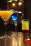 Cocktails im Café Lizenzfreie Stockbilder