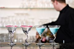 Cocktails sur le bar Photographie stock