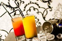 Cocktails und Eis lizenzfreies stockbild