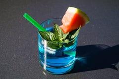 Cocktails und longdrinks stockbild