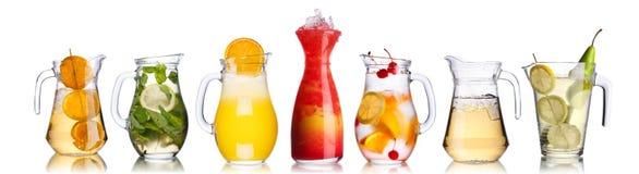 Cocktails in waterkruiken Royalty-vrije Stock Foto's