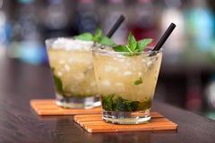 Cocktailsinzameling - Muntmedicijndrankje stock foto's