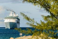 CoCo Cay Bahamas, Grudzień, - 01 2015: Królewski Karaibski zachwyt morze statek wycieczkowy w Bahamas Zdjęcia Stock