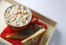 Cocoa drink with marshmallows Royalty Free Stock Photos