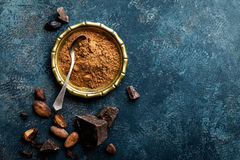 Free Cocoa Powder, Beans And Dark Chocolate Pieces Crushed, Culinary Background Stock Images - 88680244