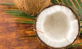 Cocos frescos em formulários dos varios Fotografia de Stock