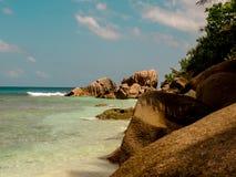 Cocos magníficos en la isla de Digue del La en Seychelles Imagen de archivo