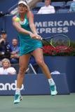 Cocos profesionales Vandeweghe del jugador de tenis de Estados Unidos en la acción durante su US Open 2017 4 redondos Imagenes de archivo