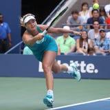 Cocos profesionales Vandeweghe del jugador de tenis de Estados Unidos en la acción durante su US Open 2017 4 redondos Foto de archivo