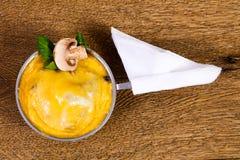 Cocotte гриба с сыром Стоковые Фото