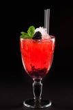 Coctail do álcool com amora-preta Fotografia de Stock Royalty Free