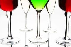 Coctail e vidros de vinho foto de stock