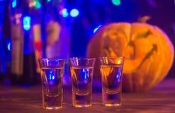 Coctail för det halloween partiet, selektiv fokus arkivfoton