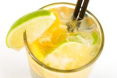 Coctail med limefrukt arkivbilder