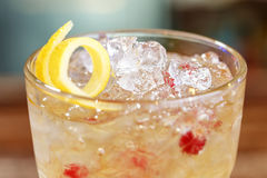 Coctail mycket is på stången Royaltyfri Bild