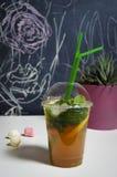 Coctail och frukter Arkivfoto