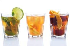 Coctailar med olika citrusfrukter royaltyfri fotografi