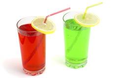 Coctailar som är alkoholiserade med en limefrukt Royaltyfria Bilder