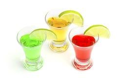 Coctailar som är alkoholiserade med en limefrukt Arkivfoton