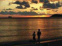 Coctails en la puesta del sol Imagenes de archivo