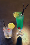 Coctails gründete auf alkoholischem Getränk Stockbilder