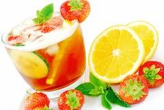 Coctel con sabor a fruta Fotos de archivo