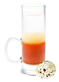Coctel con un huevo de codornices Fotos de archivo libres de regalías