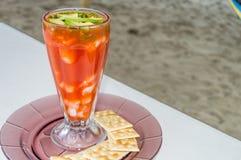 Coctel De Camaron, krewetka koktajl przy pla?? w Veracruz, Meksyk kosmos kopii zdjęcia royalty free