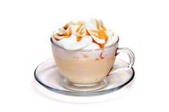 Coctel de Coffe con caramelo en la taza de cristal Fotografía de archivo libre de regalías