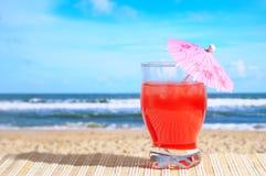 Coctel en la playa fotografía de archivo