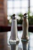 Coctelera de sal y de pimienta Fotos de archivo libres de regalías