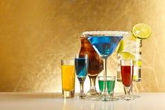 Cocteles con alcohol fotografía de archivo libre de regalías