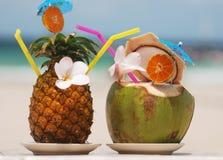 Cocteles tropicales Imágenes de archivo libres de regalías
