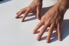 Coda del corpo di concetto del dito della mano dell'uomo Immagine Stock Libera da Diritti