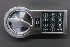 Codeslot op de veilige deur op grijze achtergrond royalty-vrije stock afbeelding