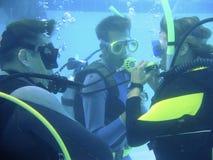 Codice categoria di immersione con bombole fotografia stock libera da diritti