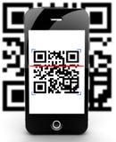 Codice di scansione di Smartphone sfuocato Fotografia Stock