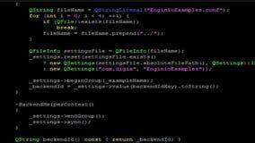 Codifica di scorrimento C++ sul fondo nero stock footage