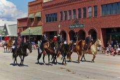 Cody,怀俄明,美国-四7月4日, 2009年-车手在黑人描述的怀亚特Earp,维吉尔Earp,摩根Earp和Doc Holliday穿戴了 库存照片