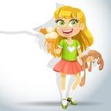 Coelho bonito do brinquedo da preensão da menina e gelado Fotos de Stock Royalty Free