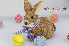 Coelho, coelho, ovos colorindo, fundo pintado, azul, verde, amarelo, vermelho, laranja, colorida, Imagens de Stock