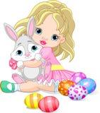 Coelho da menina e de Easter Fotografia de Stock