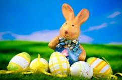 Coelho de Easter com ovos de Easter Imagem de Stock