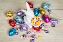 Coelho e ovos de Easter fotos de stock royalty free